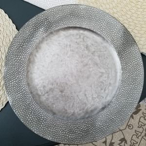 Charger Plates - Antiqued silver (plastic) 8